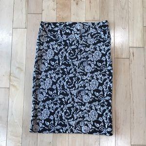 Black & Ivory high-waisted pencil skirt
